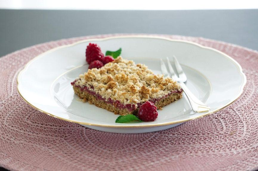 Himmbeerliche Chia-Schnittchen - gesunder Streuselkuchen