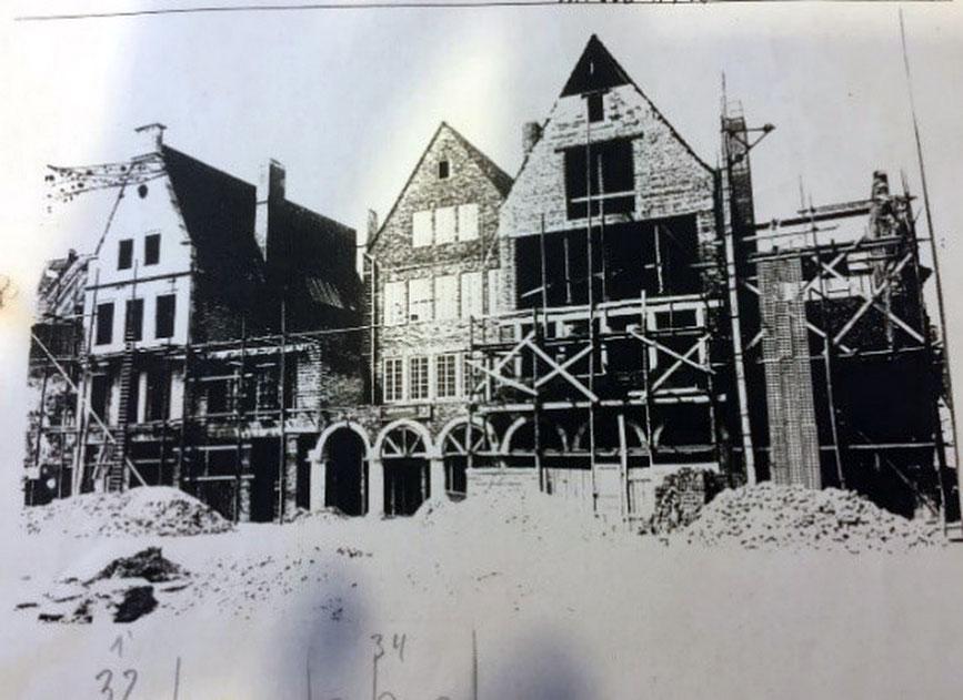 Prinzipalmarkt 32 im Wiederaufbau 1948 (links)