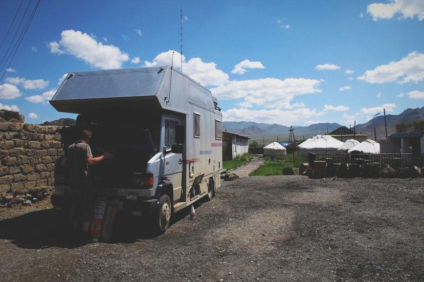 bigousteppes mongolie camion mercedes camps de yourte