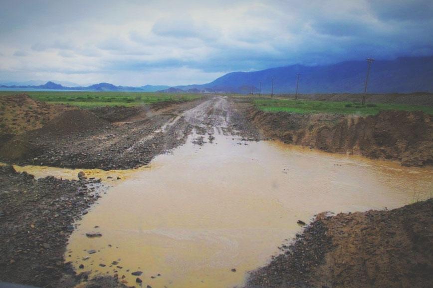 bigousteppes mongolie piste route eau pluie boue