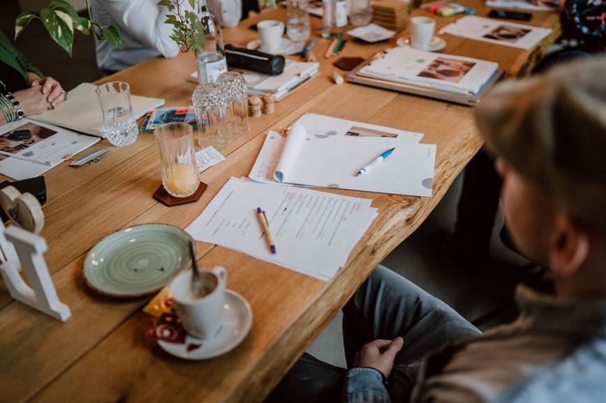 Textschule / schreiben lernen / wie schreibe ich eine Rede / Interviewtechnik lernen / Gesprächsführung lernen / Interviews führen lernen / wie führe ich ein gutes Interview