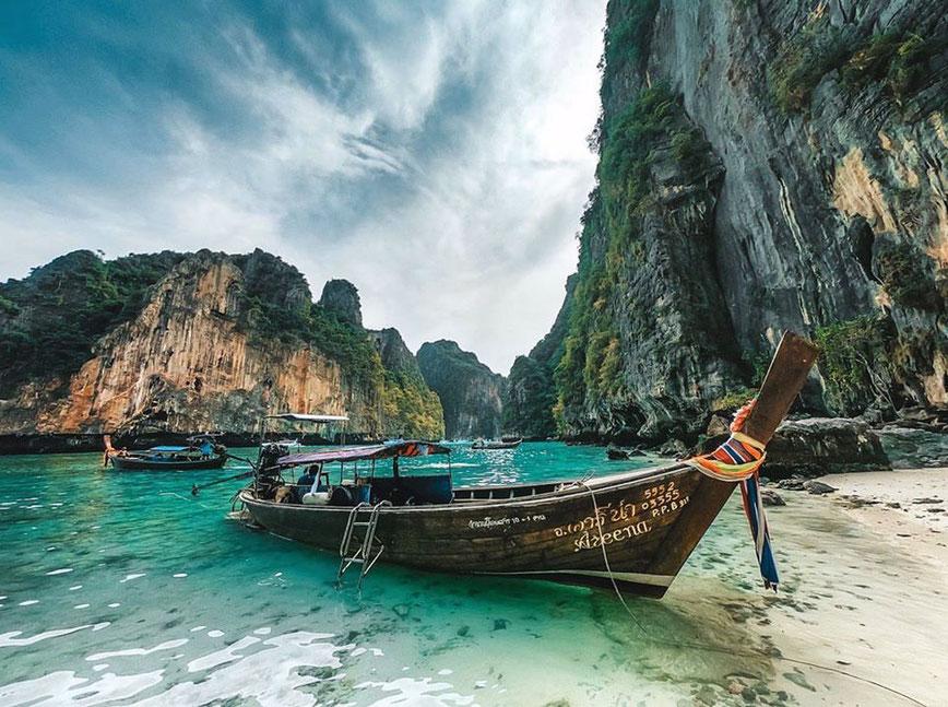 Tarp salų galima paplaukioti tokiomis ir kitokiomis valtimis