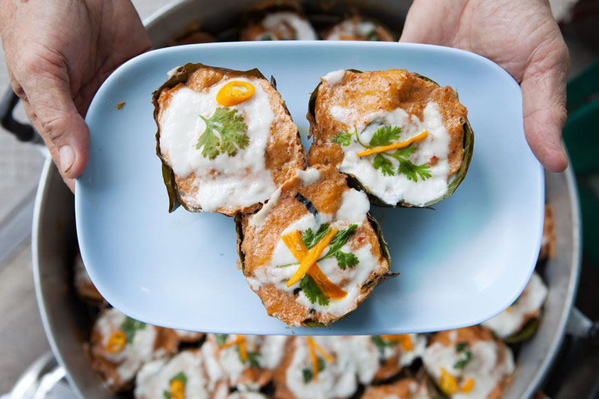 Ho Mok - garinta žuvis su kario padažu Tailande