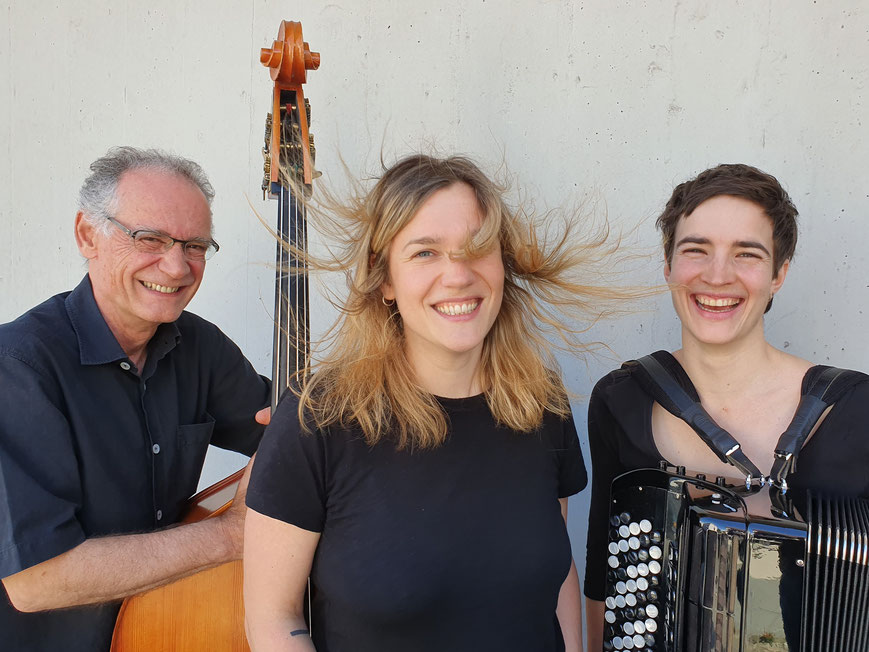 Thomas Dürst Trio - Other Songs: Sibyl Hofstetter voc, Lea Gasser acc, Thomas Dürst b