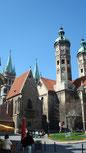 Naumburger Dom mit Grünanlage