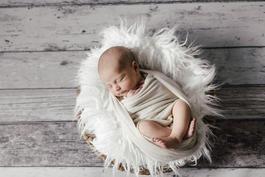 Babyshooting Neugeborenenshooting Babybilder Babyfotograf Bielefeld Schloss Holte Gütersloh Paderborn