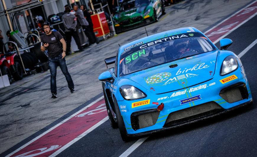 Einer der Allied-Racing Porsche beim Saisonlauf der GT4 European Series am Nürburgring