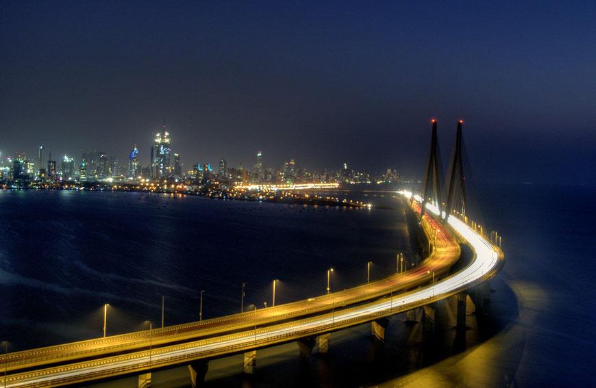 Das neueste Wahrzeichen von der schönen Stadt Mumbai - die Sealink-Brücke.