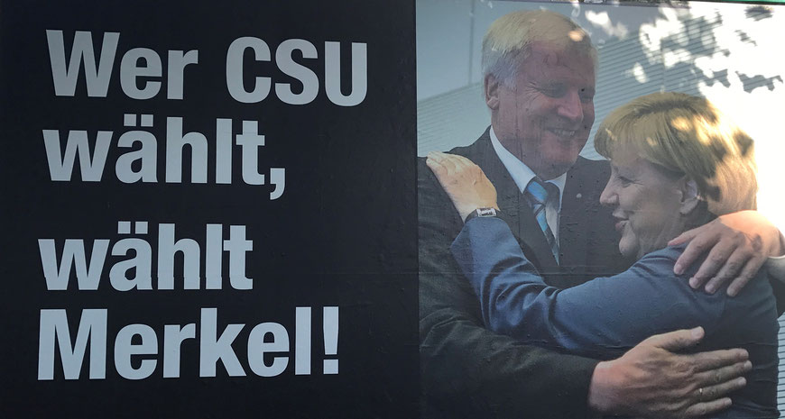 ¨Quem vota para a CSU, vota para a Merkel¨, diz o cartaz.