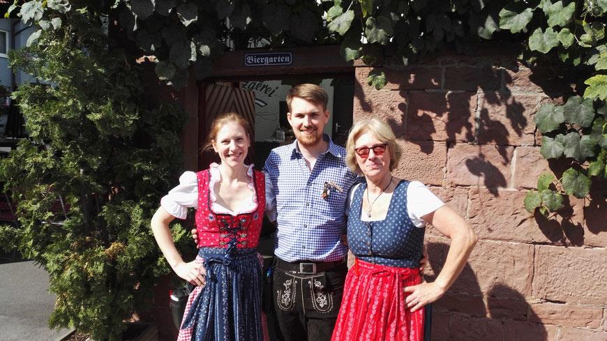 Ihre Gastgeber Yvonne, Andy und Hannelore