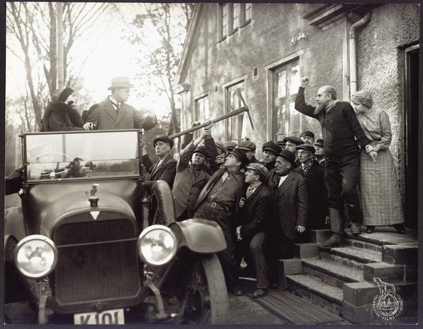 """Szene aus """"Verdens undergang"""" von 1916 (dt. Der Untergang der Welt). Pressefoto: Dänisches Filminstitut DFI, Kopenhagen"""