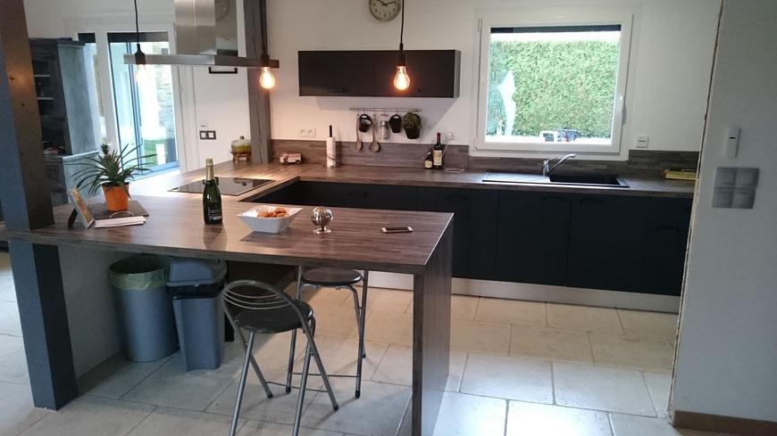 Cuisine équipée de style industrielle à Elbeuf sur Andelle (76780) - Cuisine Home Concept
