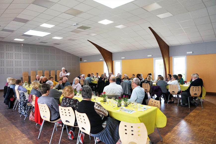 Montret - salle fêtes rencontres réunion club house bordiau stade vestiaire location évènements
