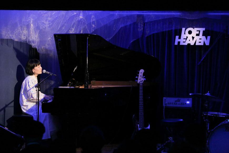 10/27@渋谷LOFT HEAVEN/アンコールではグランドピアノで弾き語りました