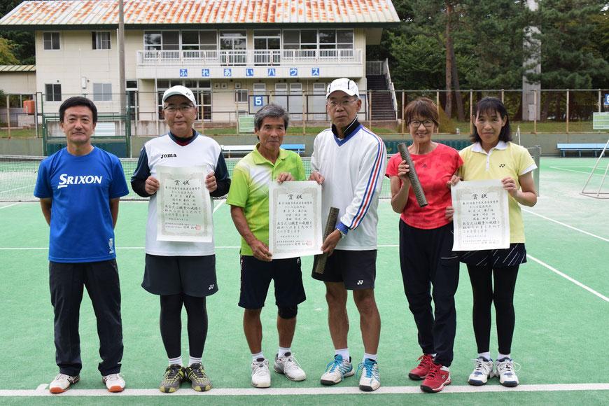 左から男子B、男子A、女子Aの優勝者ペア。来年和歌山で開催されるねんりんピックに出場することになります。