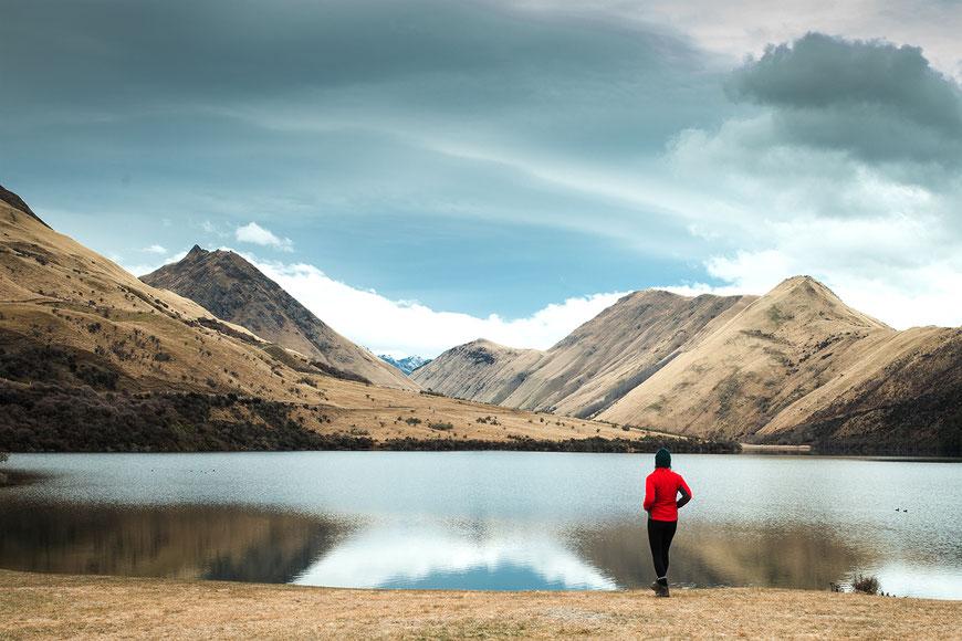 Der DOC Campground am Moke Lake liegt in einer beeindruckenden Kulisse und kostet ca. 12 NZD pro Person.