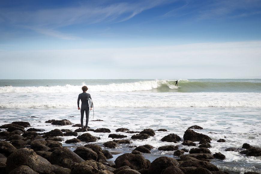 Das neue Surfboard. Foto Reportage aus Raglan, Neuseeland. September 2019. (c) Salomé Weber