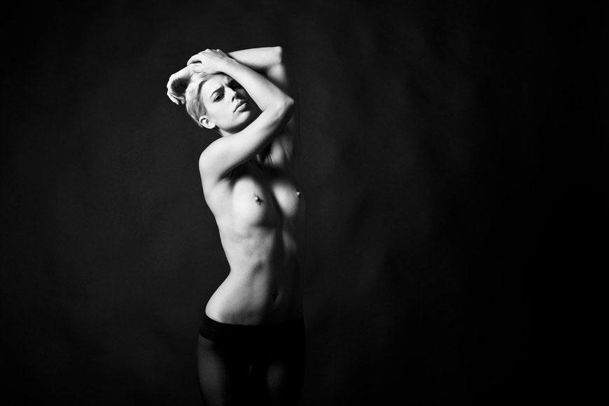 Nude portrait by Monica Monimix Antonelli