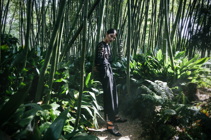 Fashion photography, a woman in the jungle by Monica Monimix Antonelli