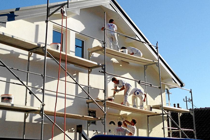 Fassade verputzen für einen Neubau in Muttenz