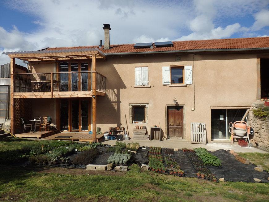 Aménagement d'une grange en habitation et création d'une terrasse en bois
