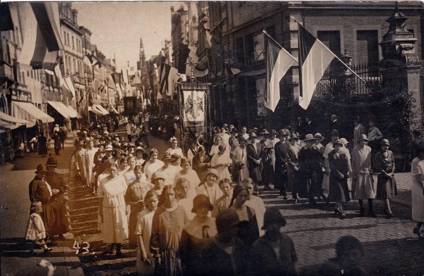 Pest- und Brandprozession 1926 auf der Ludgeristraße