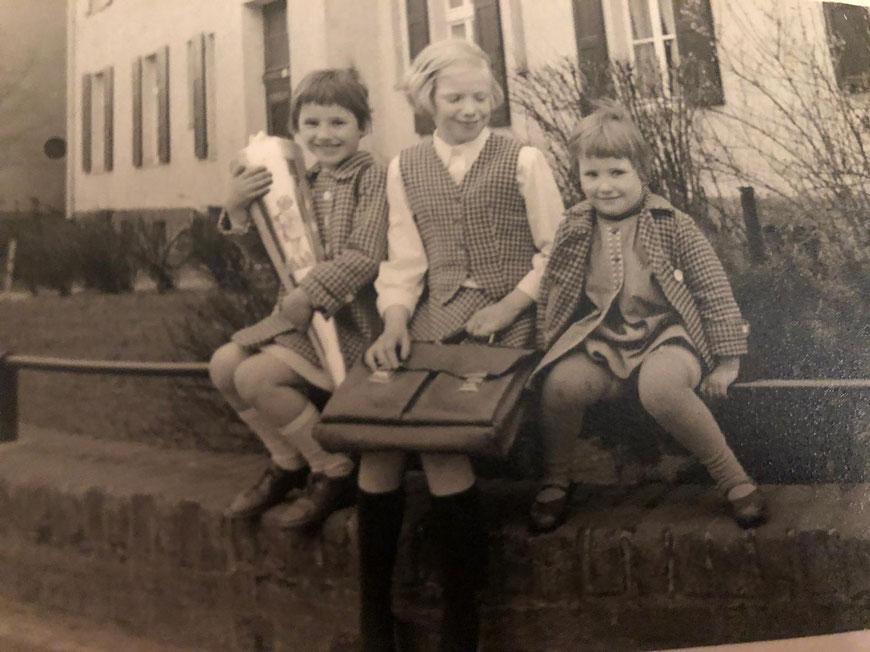 Juttas Wechsel 1958 zum Gymnasium und meine Einschulung