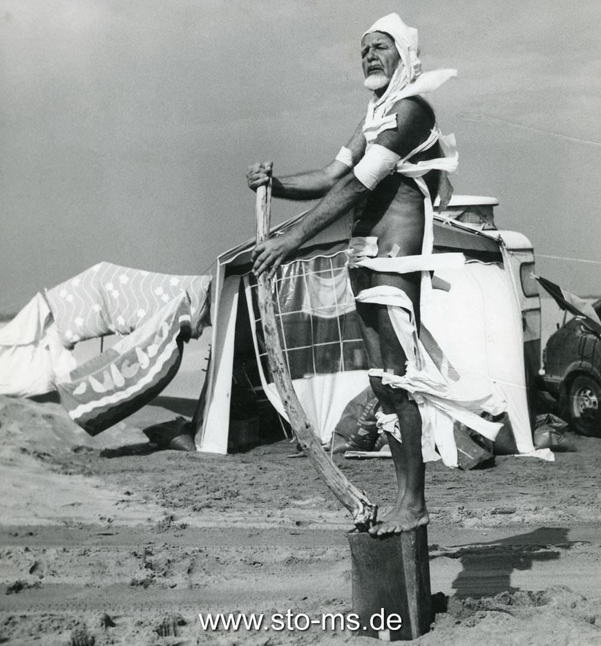 Pan übt für sein ,denkmal': Wider den Heldentod - 1983