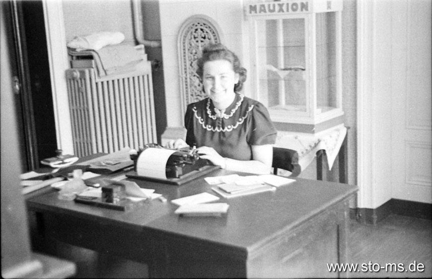 Im Büro Anfang 1940er Jahre