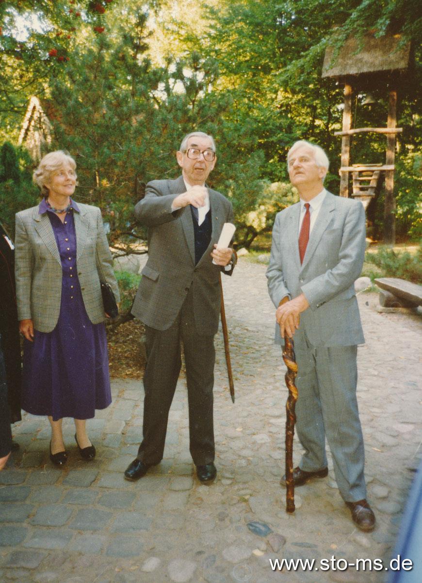 Bundespräsident Richard von Weizsäcker und Frau 1991 auf dem Mühlenhof