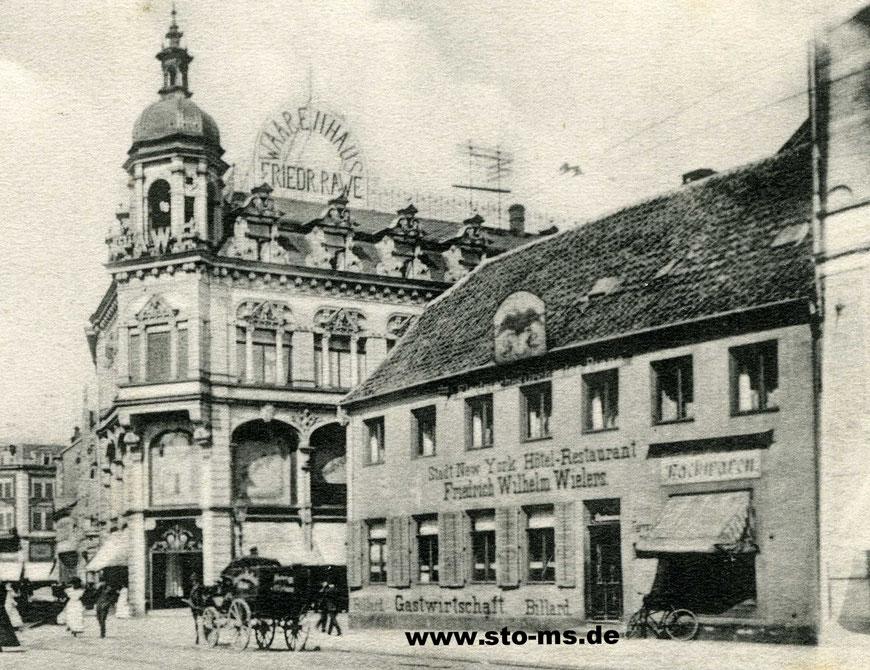 In der Gaststätte ,Stadt New York' befand sich zunächst das ,Central-Theater', später die ,Schauburg', danach umbenannt in ,Stadt New York' - Im linken Gebäude ist heute das Stadtmuseum, davor Althoff/Karstadt