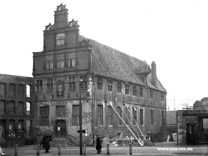Das Krameramtshaus mit seitlichen Stützbalken