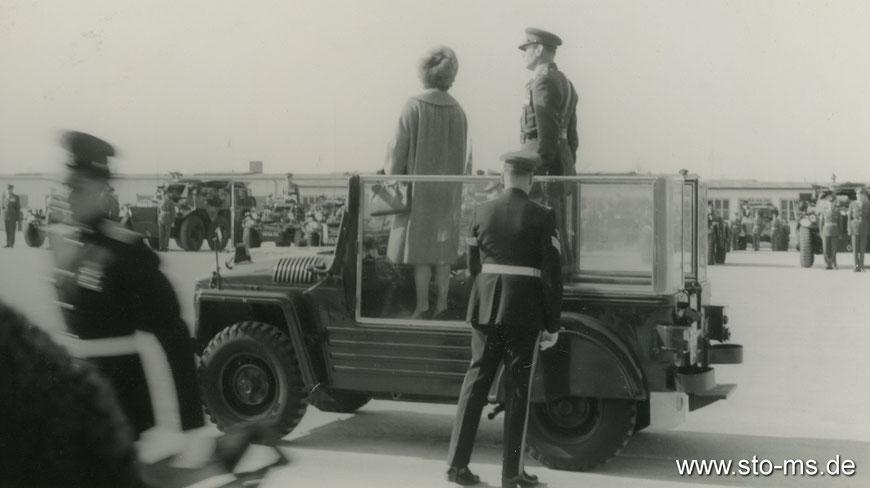 Prinzessin Margret bei einer Parade in der York-Kaserne - Ender 1950er Jahre