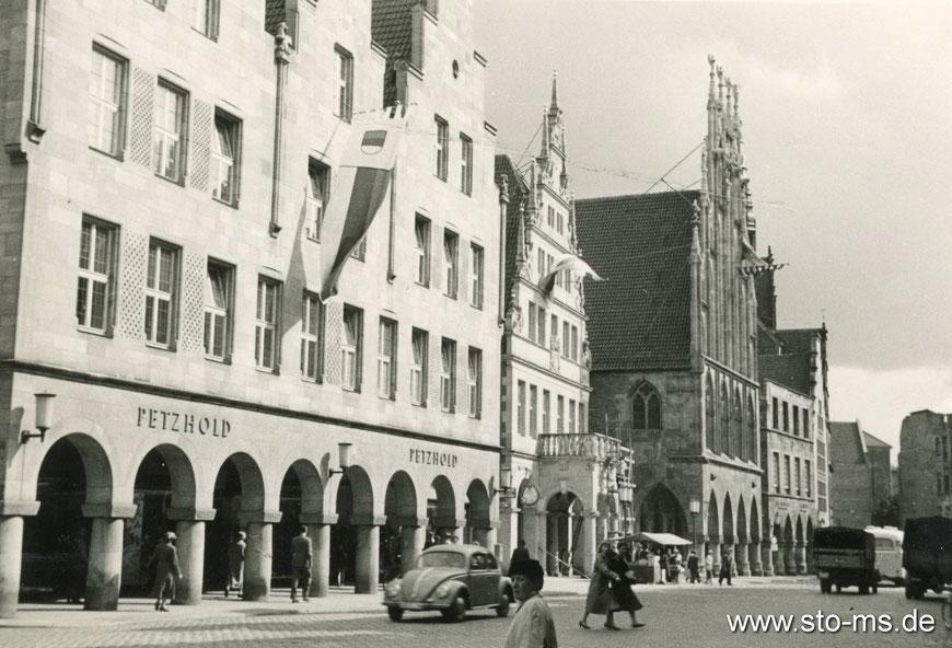 Der Prinzipalmarkt 1958 im neuen Glanz - rechts außen sind Ruinen zu erahnen