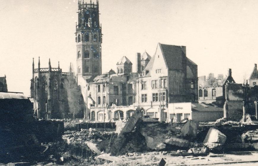 Blick auf die Ludgerikirche - Sommer 1945