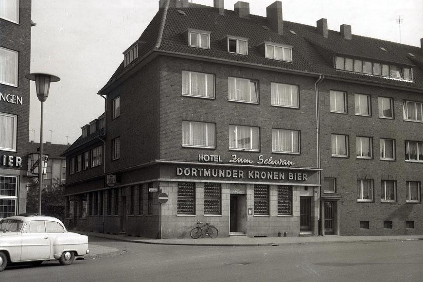 ,Zum Schwan'  an der Schillerstraße