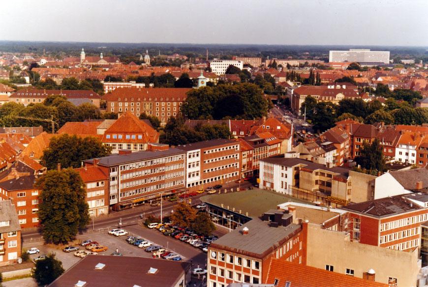Blick von Lamberti auf die Mauritzstraße um 19