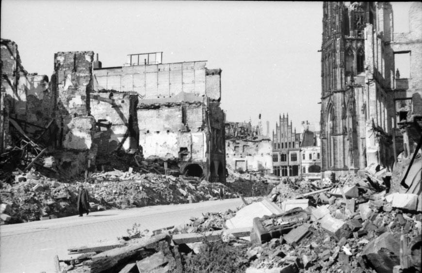 Prinzipalmarkt Sommer 1945 - Foto Carl Pohlschmidt ULB Münster