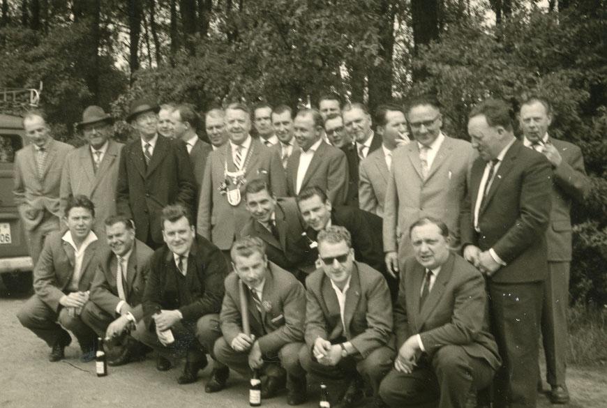 Mitarbeiter der Germania-Brauerei beim Schützenfest  um 1960