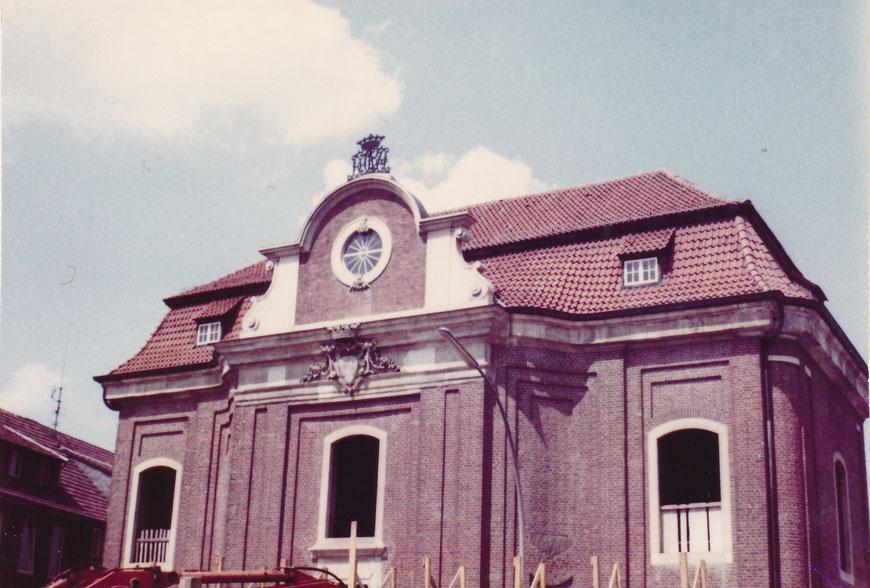 Das Lotharinger Kloster im Wiederaufbau in den 1970er Jahren - Nach 1811 verschiedene Verwendungen -  Kaserne, später Stadtarchiv und heute Standesamt