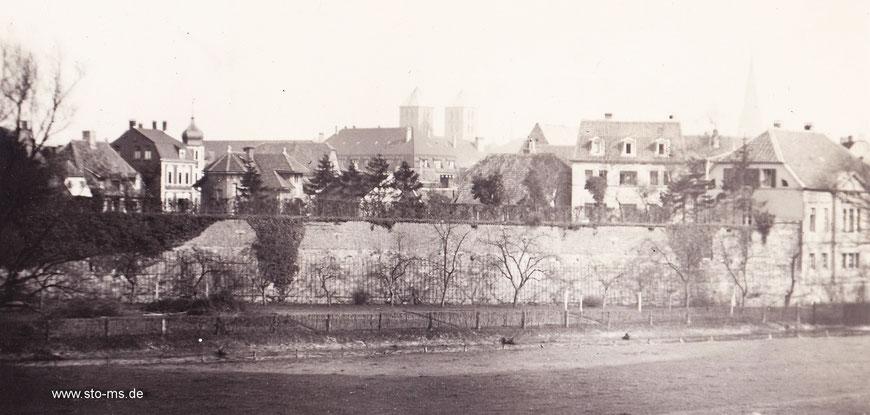 Die Stadtmauer von der Westerholtschen Wiese fotografiert - 1912