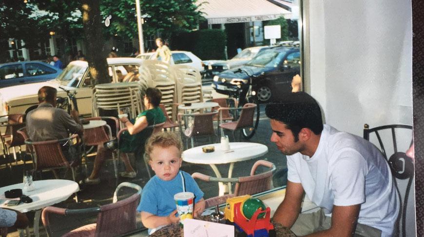 Gian-Luca und sein älterer Bruder um 2000