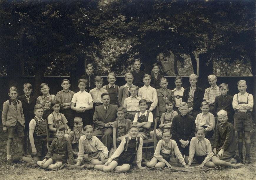 Klasse IVb von 1951 (mit dem Klassenlehrer Storch)