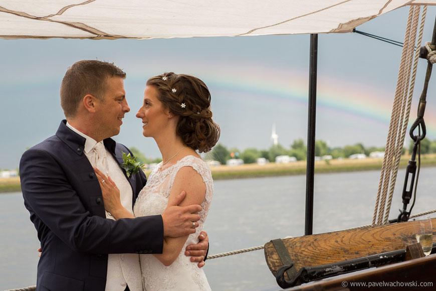 Brautpaar Regenbogen