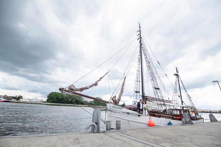 Hochzeitsfahr mir Schiff Weser