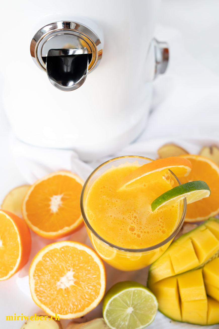 Test, Novis, Vitajuicer, Fruchtsaftpresse, Gemüsepresse, Juicer, Frucht, Gemüse, Saft, Entsafter, Foodblog Schweiz, Video, Test, Rezept, Vitamindrink