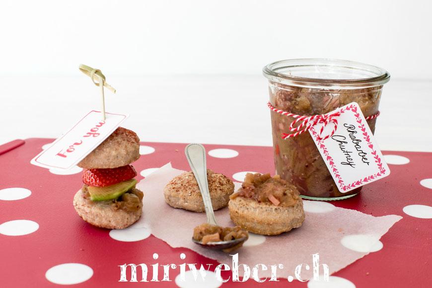 Foodblog Schweiz, Schweizer Foodblog, Schweizer Blog, Rhabarber Chutney, Foodstyling Schweiz, Foodfotografie Schweiz, Rezept Rhabarber Chutney