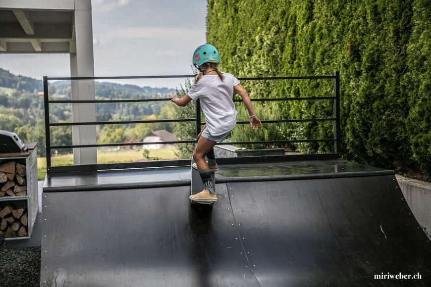 SKATE MINIRAMP FACTS UND BAUPLÄNE   - miriweber.ch - Kreativ - DIY - Food - Blog aus der Schweiz  Skateboarding, Micro Ramp, Skateboard, Halfpipe, Miniramp, selber bauen, Plan, Anleitung, Bau