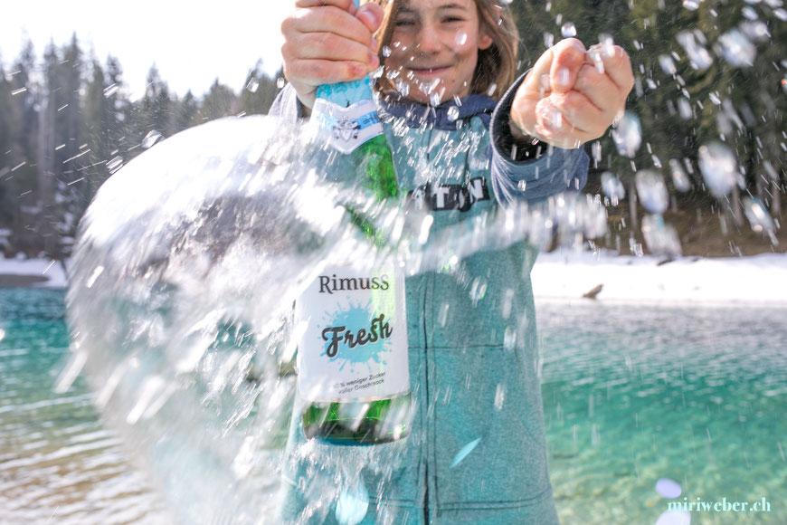 Rimuss Fresh, Rimuss, alkoholfrei, Kinder Wein, Rezept, Eis, blaues Eis, Idee, Inspiration, Creative Content Creator, Schweiz, Blog Schweiz, Food Blog Schweiz, Kooperation,
