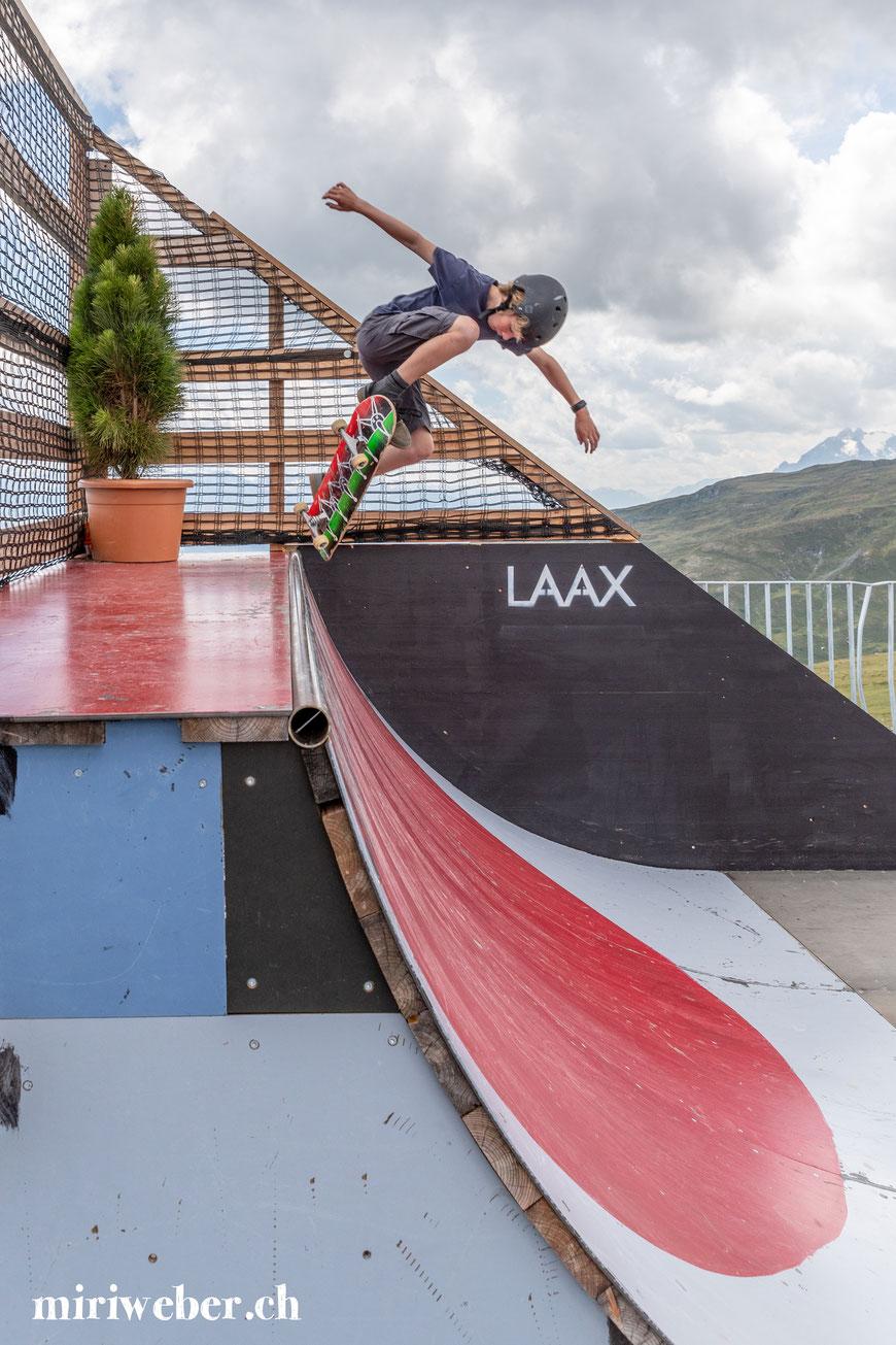 Galaaxy, Freestylepark, Skateboard Park, Ninja Parcours, Slackline, Laax, Flims, Graubünden, Ferien in der Schweiz, Crap Sogn Gion, Skatepark, Familien Ferien, skateboarden in der Schweiz, Travel Blog Schweiz, Schweizer Familienblog